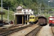 ABe 4/4 34 und 30 mit zwei Pullmanwagen erreichen Poschiavo.