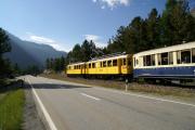 ABe 4/4 30 und 34 mit zwei Pullmanwagen zwischen Bernina Suot und Morteratsch
