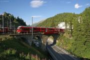 """""""Allegra"""" ABe 8/12 3502 auf der Inn-Brücke bei St. Moritz"""