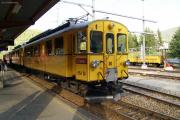 ABe 4/4 30 und 34 mit zwei Pullmanwagen im Bahnhof von St. Moritz