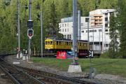 ABe 4/4 34 und 30 verlassen St. Moritz über die Inn-Brücke
