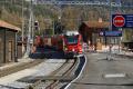 Einfahrt eines BEX in Bergün/Bravuogn mit ABe 8/12 3508 an der Spitze