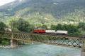Ge 4/4 I 603 mit kurzem Güterzug auf der Rheinbrücke bei Reichenau
