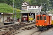 ABe 4/4 II 46, die letzte ihrer Serie noch nicht +, abgestellt in Poschiavo, neben Xmf 4/4 9919 und De 2/2 151.