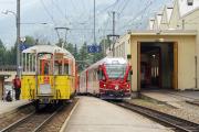 ...um diesen in Poschiavo am Schluss des nächsten Zuges über den Pass (mit einem Allegra an der Spitze) zu hängen