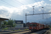 S-Bahnpendelzug mit Be 4/4 der 511-Serie in Bonaduz