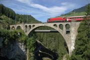 Ge 4/4 III 651 auf dem Soliser Viadukt