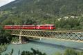 Reginalzug mit Be 4/4 513 auf der Rheinbrücke bei Reichenau