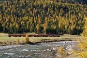 Allegra-Triebzug mit Zug 1644 zwischen Morteratsch und Surovas bei Pontresina