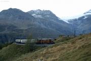 """Das """"Bernina-Krokodil"""" Ge 4/4 182 erreicht Alp Grüm"""