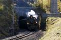 G 4/5 107 verlässt den Toua-Kehrtunnel zwischen Preda und Bergün