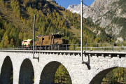 Ge 6/6 I 415 mit Löschzug auf dem Albula-Viadukt III zwischen Preda und Bergün