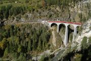 Ge 4/4 III 649 mit Zug 1144 auf dem Landwasser-Viadukt