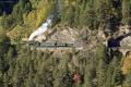 G 4/5 107 mit Dampfextrazug vor dem Zalaint-Tunnel beim Landwasser-Viadukt