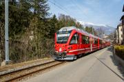 Allegra ABe 8/12 3502 mit Regio nach Arosa entlang der Sandstrasse in Chur