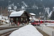 ABe 8/12 3502 mit Regio nach Chur in Langwies