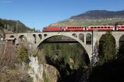 Ge 4/4 III 651 mit Glacier Express auf dem Soliser Viadukt