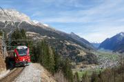 Allegra ABe 8/12 kurz vor dem Val Varuna-Tunnel II. Rechts Poschiavo und Lago di Poschiavo
