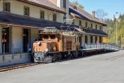 Ge 6/6 I 407 vor Bahnmuseum Albula, Stn Bergün/Bravuogn