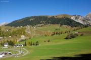 RE mit Ge 4/4 III 643 in der zweiten Schleife vor dem Plaz-Tunnel oberhalb Bergün