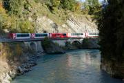 Glacier-Express in der Ruinaulta bei Trin