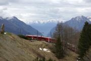 Allegra ABe 8/12 3502 in der Panorama-Kurve von Alp Grüm.
