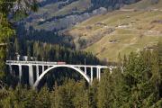 """100 Jahre Chur - Arosa! Ge 4/4 II 625 mit dem """"Alpine Classic Pullmann Express"""" auf dem Langwieser-Viadukt"""