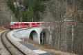 100 Jahre Chur - Arosa. Regelzug mit ABe 8/12 3513 nach Chur bei St.Peter-Molinis