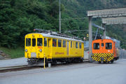 Xe 4/4 9922 (ex ABe 4/4 38) und Tm 2/2 20 in Campocologno