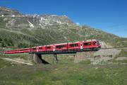 ABe 8/12 3513 mit RE nach Tirano auf der Oberen Berninabachbrücke