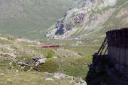 ABe 8/12 3510 mit BEX zw. Oberen Berninabachbrücke und Arlas Gallerie