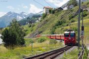 Ge 4/4 II 618 mit RE nach Scuol in Ardez