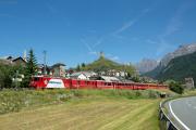 Ge 4/4 II 618 mit RE nach Klosters und Disentis in Ardez