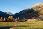 Pendelzug nach Pontresina bei Zernez