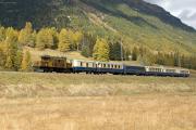 """Bahnoldtimer - 20 Jahre Club 1889: """"Pullmann-Express"""" mit Ge 6/6 I 415 zw. Samedan und Bever"""