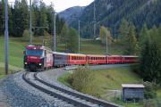 RE mit Ge 4/4 III 646 oberhalb Bergün