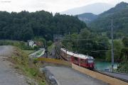 ABe 4/16 3104 auf der Hinterrheinbrücke bei Reichenau. Links entsteht die zweite Brücke.