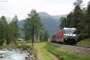 Regelzug nach Chur mit Ge 4/4 III 651 eingangs Val Bever