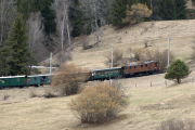 Ge 4/6 353 mit Sonderzug des Vereins Dampffreunde der RhB (GV) bei Alvaneu