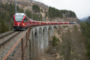 ABe 8/12 3508 auf dem Schmittnertobel-Viadukt