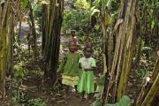 Chagga-Kinder in einer Bananenplantage. Marangu