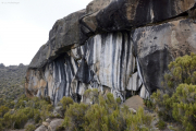 Zebra-Felsen ob den Horombo-Hütten (4000m). Kilimanjaro NP. Marangu-Route, Extra-Tag 3