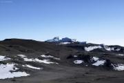 Abstieg vom Kibo-Gipfel. Östliches Eisfeld. Marangu-Route, Tag 5