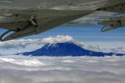 Kilimanjaro - Kibo. Flug Kilimanjaro Intl. (JRO) - Mombasa (MBA) mit Air Excel