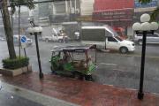 Bangkok. TukTuk im tropischen Regen