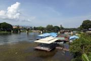 "Kanchanaburi. Eisenbahnbrücke über den River Kwai (Kwae Yai). ""Todeseisenbahn"" der Japaner nach Burma (2. Weltkrieg)"