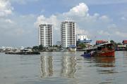 Alter Schlepper auf dem Chao Phraya. Bangkok