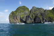 Kho Phi Phi Leh. Viel Verkehr in der Maya Bay